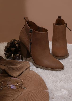 BOOT-A-HOLIC TEMPTATION BROWN ANKLE BOOTS