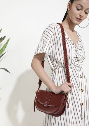 CROSS TO BARE WINE RED SLING BAG