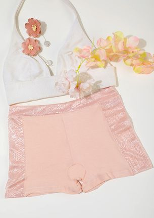 PEACH BOYSHORTS WITH LACE TRIMMING