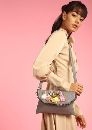FLAP WITH FLOWERS GERY SLING BAG