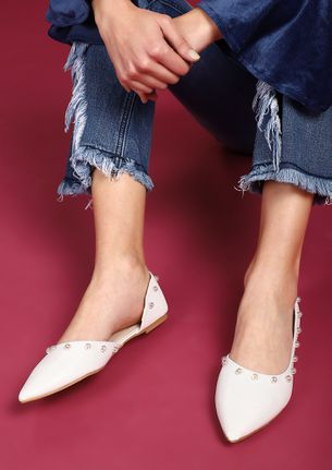 WEAR YOUR CURVES PROUDLY WHITE BALLET FLATS