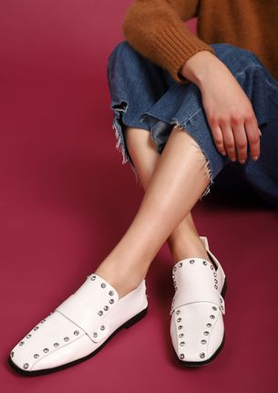 START WITH THE STUDS WHITE FLAT SHOES
