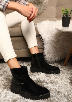 WINTER DROPS BLACK ANKLE BOOTS