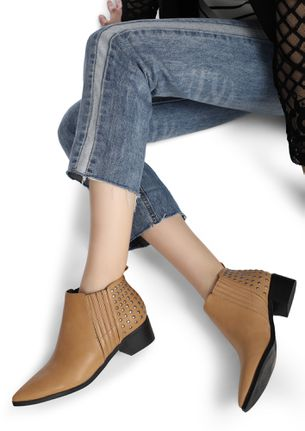 STUT-UP RIGHT BLACK ANKLE BOOTS