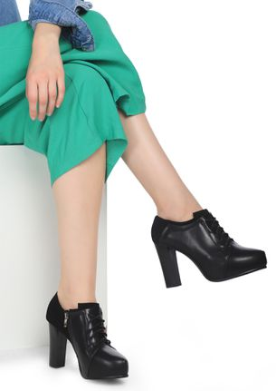 ALWAYS ON TIME BLACK HEELED SHOES