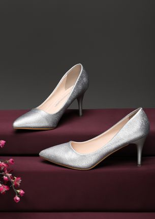 MIXED FEELINGS AND THREADS SILVER PUMPS