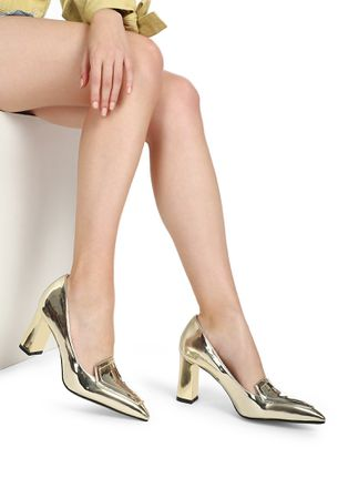 ONE STEP AT A TIME GOLD HEELED SHOES