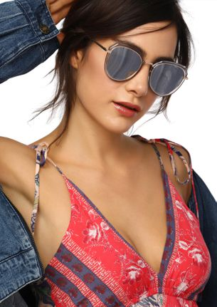 EASY BUT EDGY SILVER AVIATOR SUNGLASSES