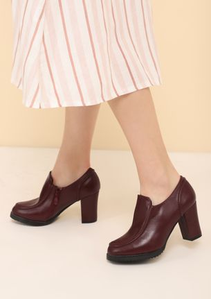 WORKING HOUR HASSLES RED HEELED SMART SHOES
