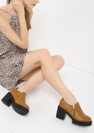 PRIM AND POSH BROWN HEELED SHOES