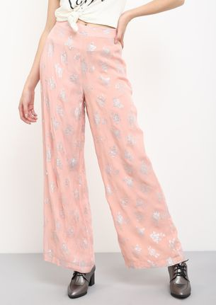 DAY DREAMING IN PEACH PALAZZOS