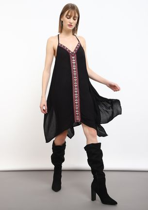 PLAYING WITH THE WIND BLACK SHIFT DRESS
