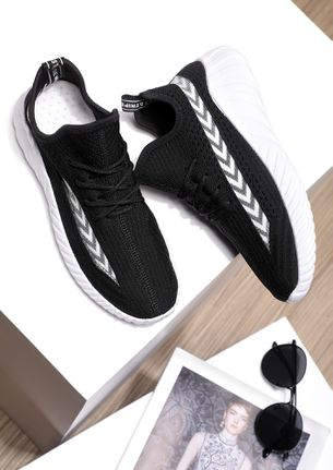 SMART AND SPORTY BLACK TRAINERS