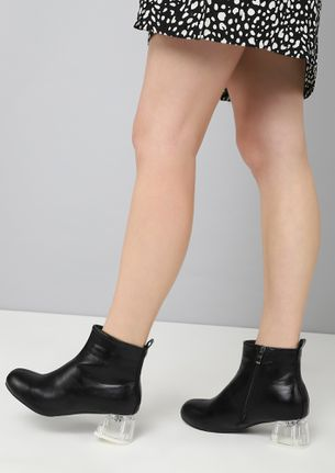 FANCY A CLEAR TREATMENT BLACK ANKLE BOOTS