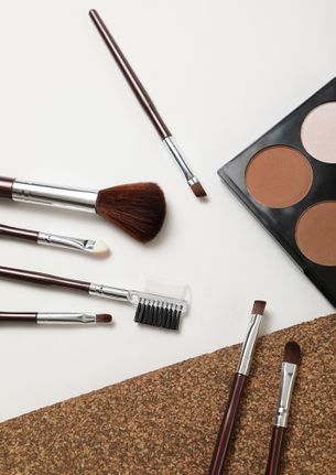 BEAUTIFUL THOUGHTS BURGUNDY MAKEUP BRUSHES -  SET OF 7