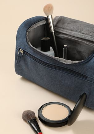 NEVER GO WRONG NAVY MAKE-UP POUCH