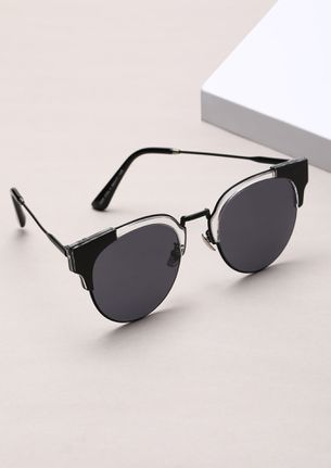 CAUGHT IN THE ACT BLACK CATEYE SUNGLASSES