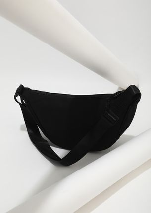 AT THE SIDE ESSENTIAL BLACK FANNY PACK