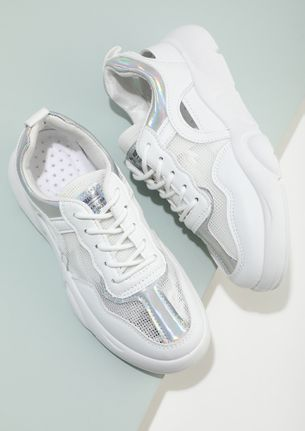 BRIGHT LIGHTS ON WHITE TRAINERS