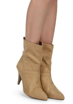 LONG WALKS BEIGE ANKLE BOOTS