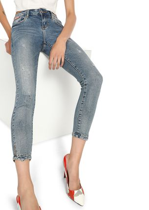 HITTING THE STREET LIGHT BLUE CROPPED JEANS
