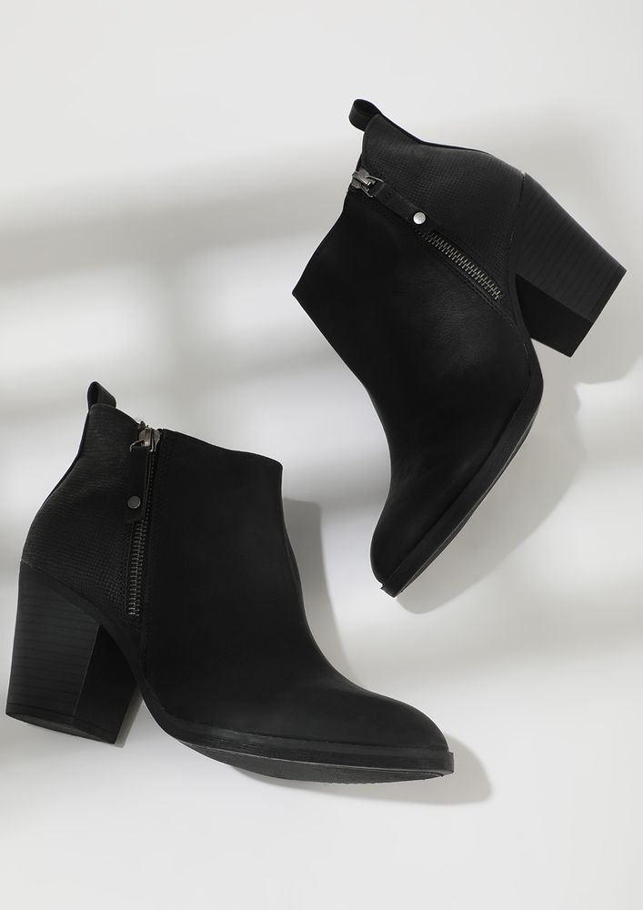 BOOT-A-HOLIC TEMPTATION BLACK ANKLE BOOTS
