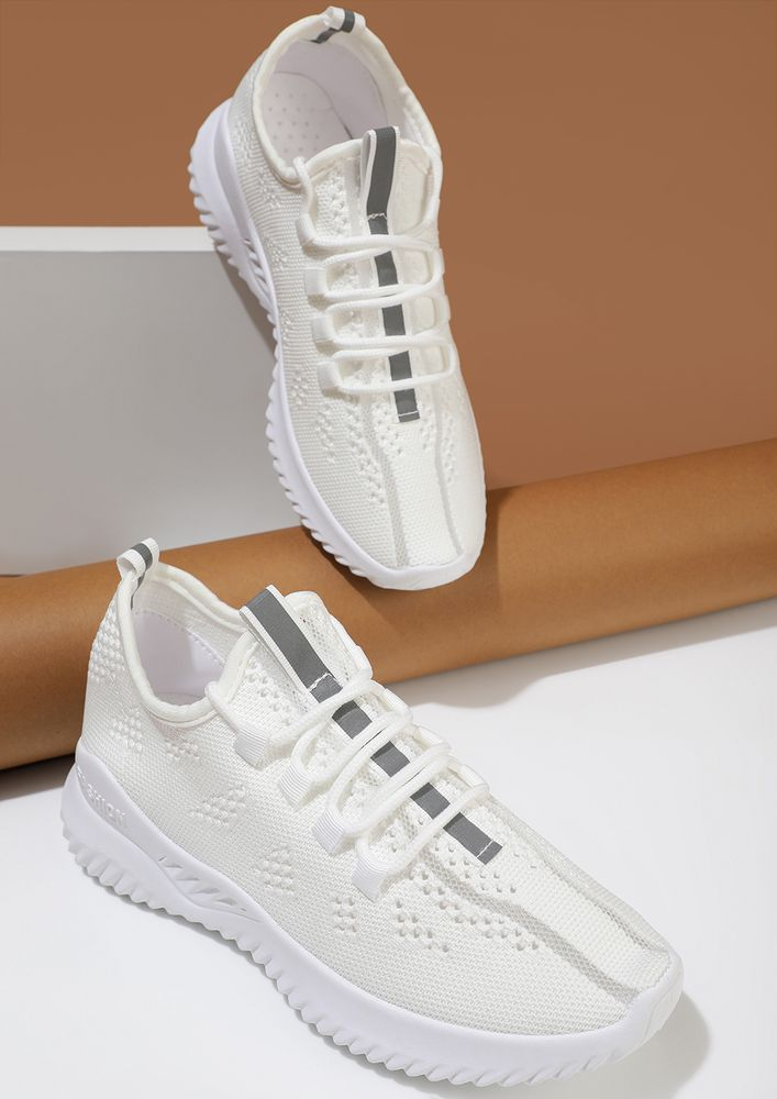 THE SPORTY HIGH-ROLLERS WHITE TRAINERS