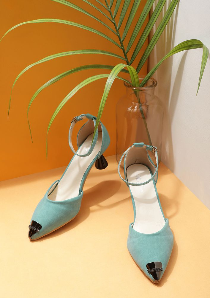 SETTING TRENDS TEAL GREEN INVERTED CONE PUMPS