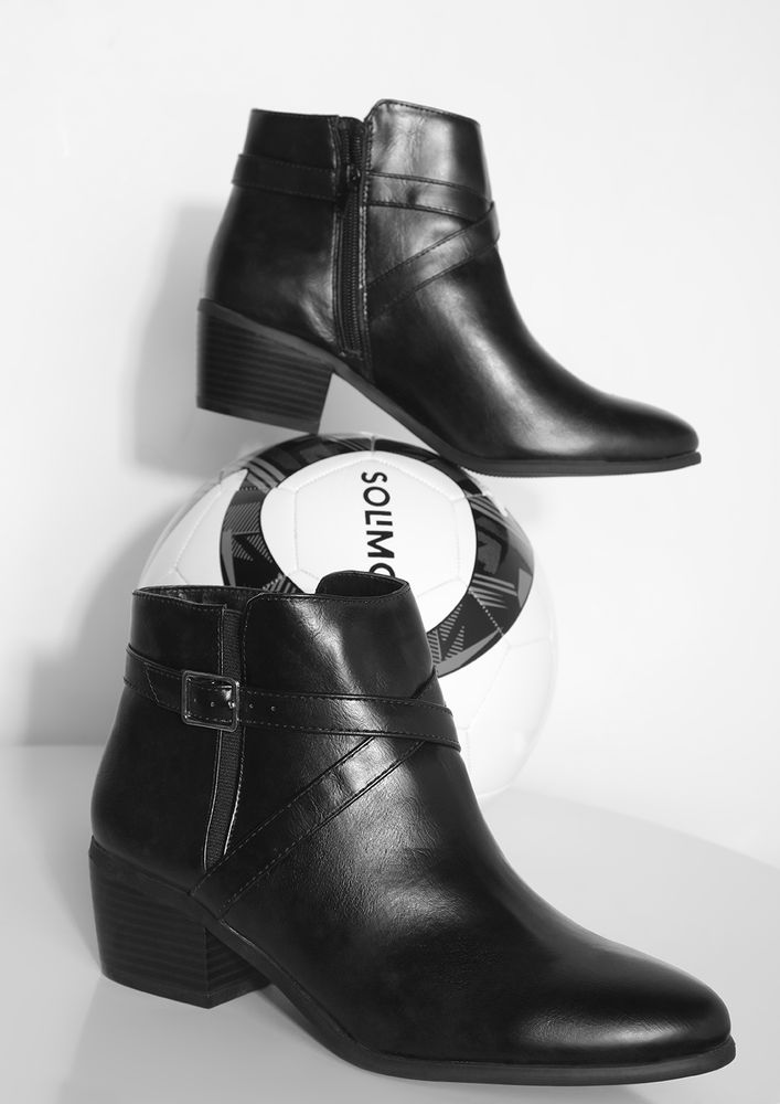 CROSS CHECKING PATENT BLACK ANKLE BOOTS