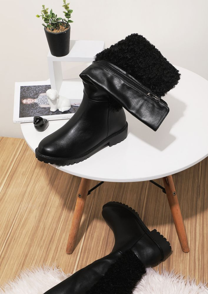 THE SHERPA SIDE BLACK KNEE-HIGH BOOTS