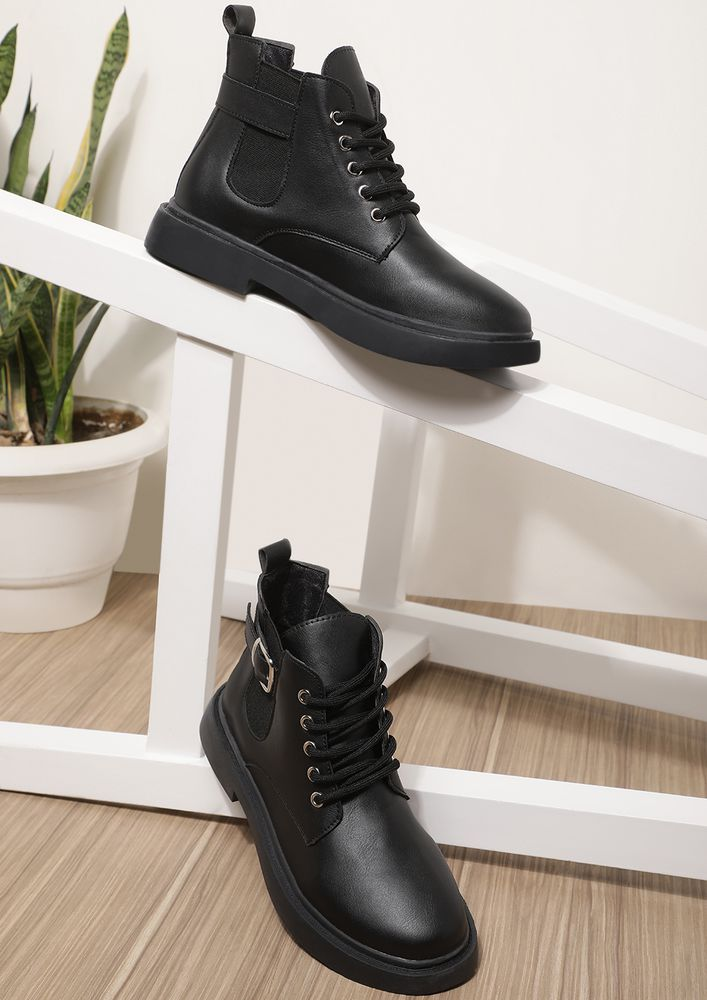 ENERGY OVERFLOW BLACK ANKLE BOOTS