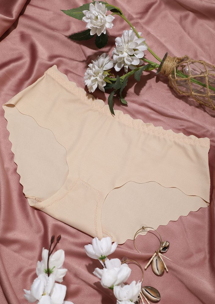 SCALLOPED SKIN SEAMLESS HIPSTER BRIEF