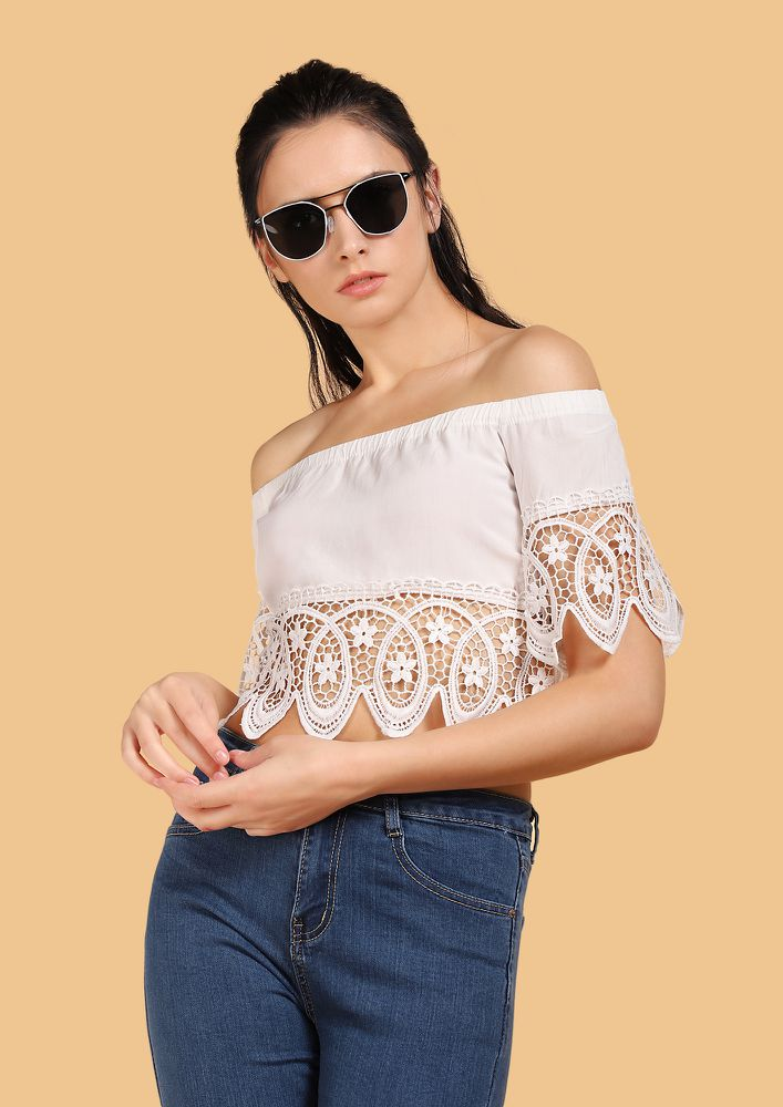 MY PRETTY CROCHET WHITE OFF-SHOULDER TOP