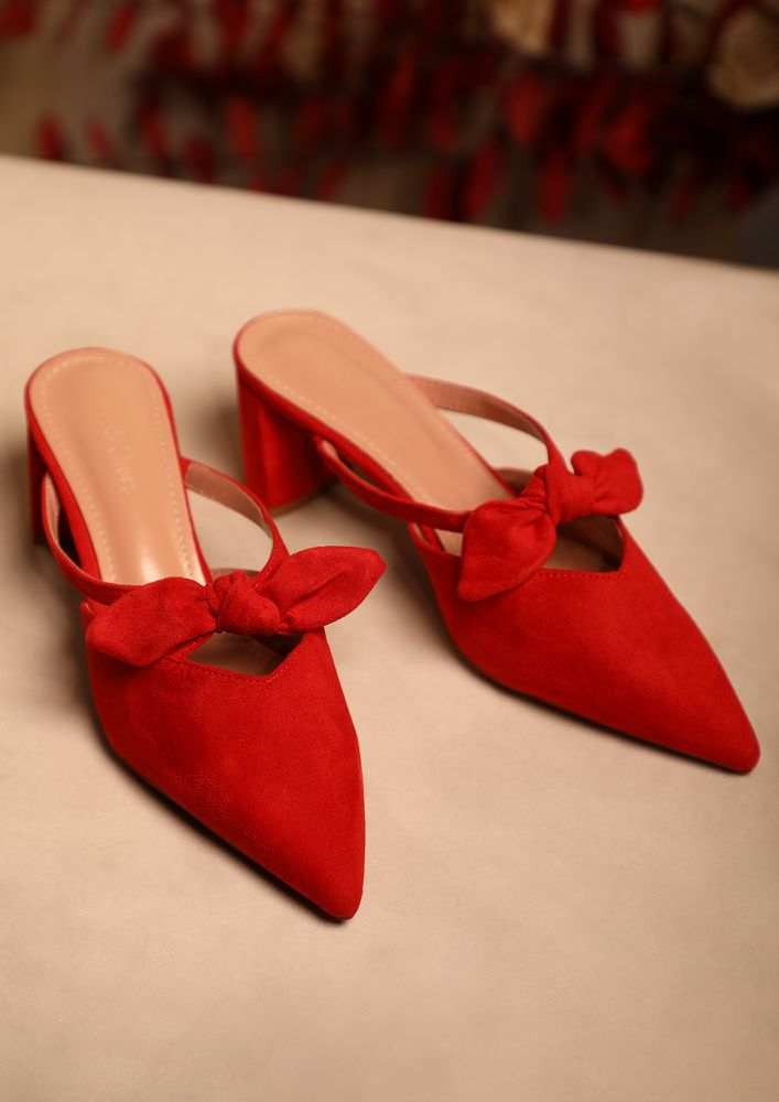 SWEET BOW RED BLOCK HEELED PUMPS