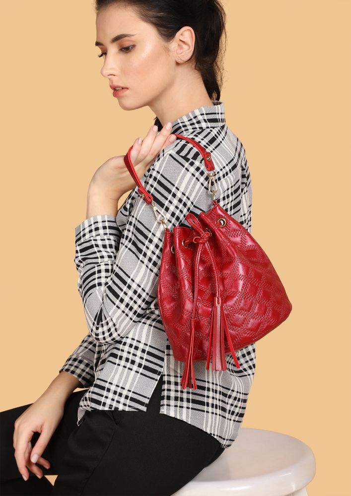 LOVE TO SHINE RED BUCKET BAG