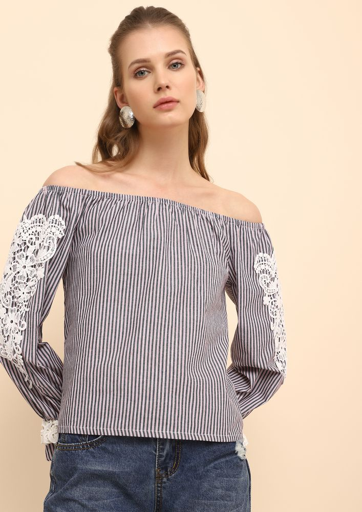 GOING TO SOAK SUNSHINE NAVY OFF-SHOULDER TOP