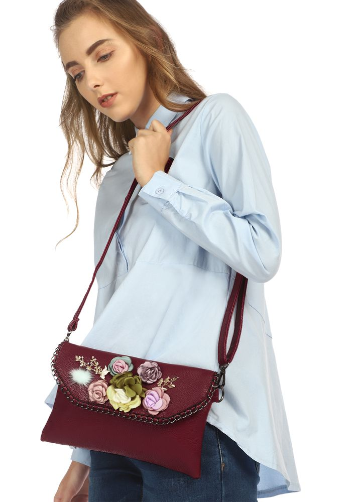 FLAP WITH FLOWERS RED SLING BAG