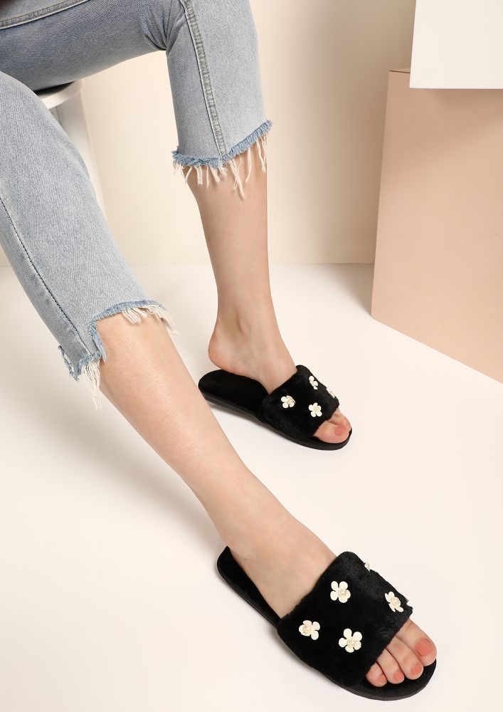 FLOWER ME ALL DAY BLACK SLIDERS