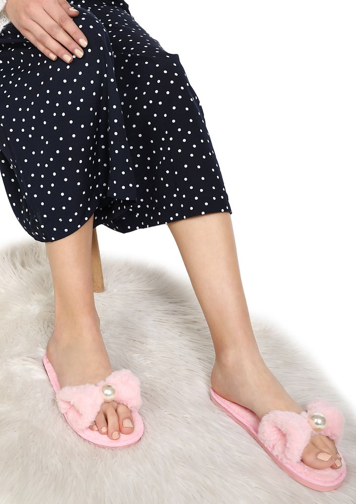 PEARLS AND BOWS PINK SLIDERS