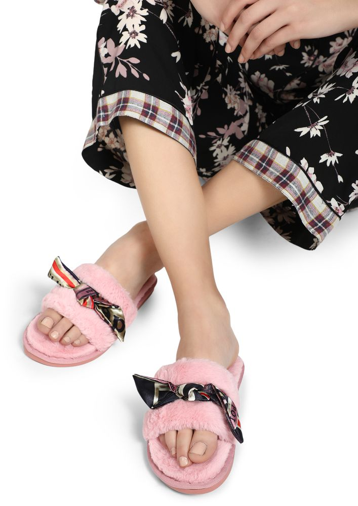 SMALL LOVE PINK SLIDERS