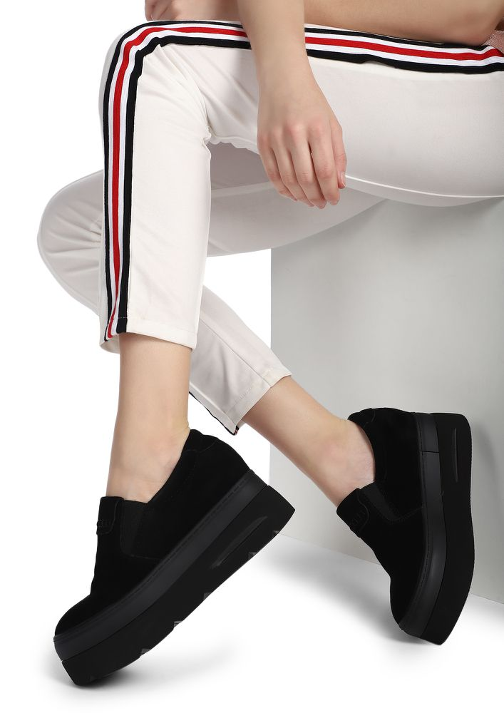 BLOCKED ROADS BLACK CASUAL SHOES