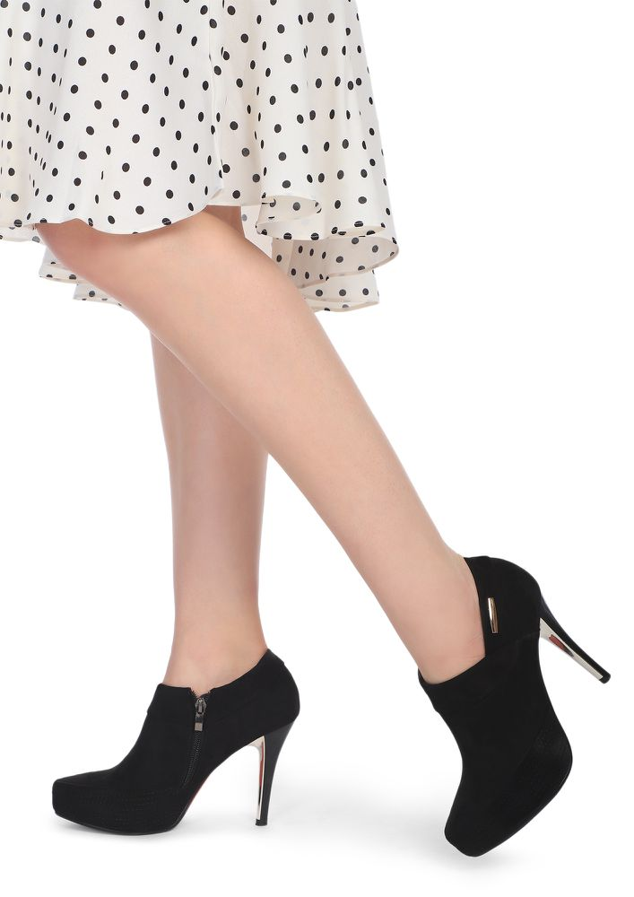 DESIRE HIGH BLACK HEELED SHOES