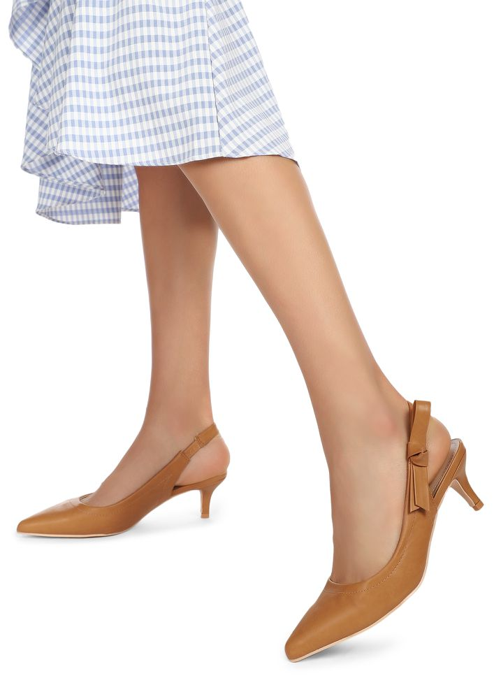 GIRL IN A FIX BROWN PUMPS