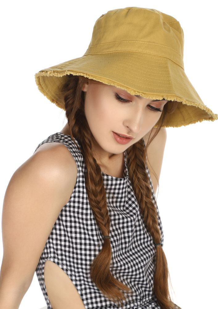 WELCOME TO BAHAMAS BEIGE BUCKET HAT