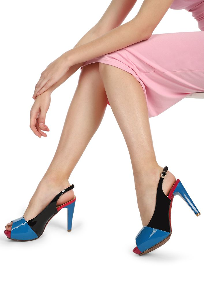 DOWNTOWN ROAD BLACK AND BLUE SLINGBACK HEELS