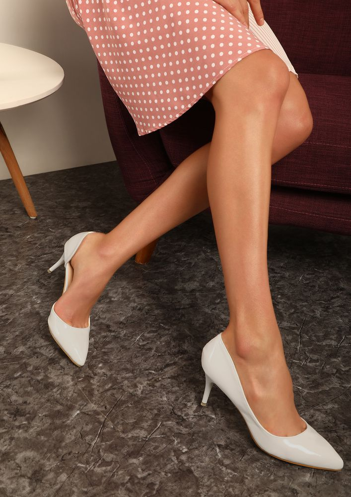 WHITE PUMPS for Women Online in India