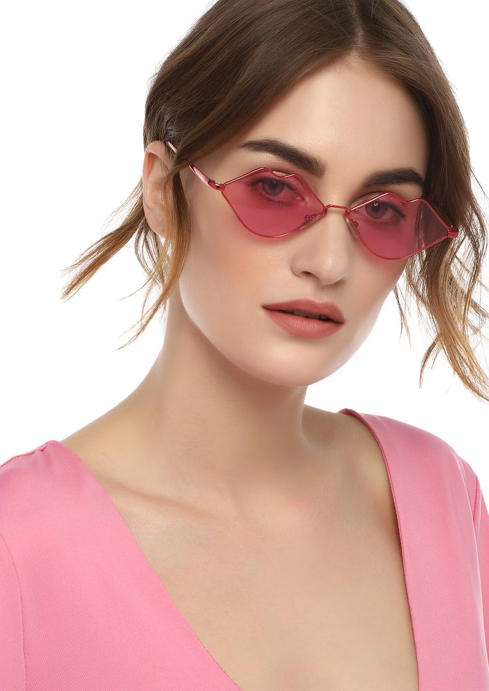 ON THE HOT SIDE RED RETRO SUNGLASSES