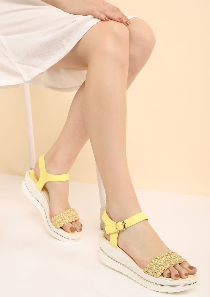 SNEAK OUT YELLOW WEDGES