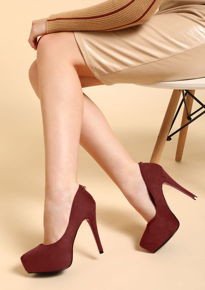 HIGH ARE MY STANDARDS RED PUMPS