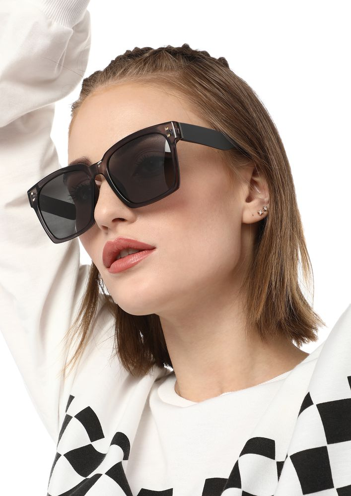 BIGGER DREAMS GREY OVERSIZED WAYFARERS